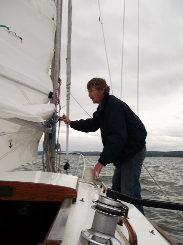 Reefing tack of main sail